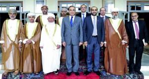 رئيس المحكمة العليا يلتقي رئيس مجلس النواب ورئيس مجلس المستشارين المغربي