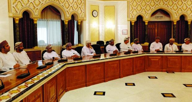 """بلدية مسقط تنظم حلقة عمل عن """"اشتراطات السلامة في المشاريع وأثرها في تحجيم المسؤولية القانونية للبلدية"""""""