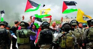 ( الحرية والكرامة) تدخل يومها السابع و 40 أسير جديد ينضمون