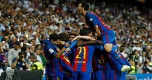 في الدوري الأسباني: ميسي يشعل الصراع على اللقب بإسقاطه ريال في الوقت القاتل