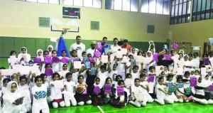 الاتحاد العماني لكرة السلة ينظم مهرجان البراعم بالمجمع الرياضي بصحار
