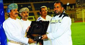 فريق أكاديمية السلطان قابوس لعلوم الشرطة يتوج بلقب بطولة شرطة عمان السلطانية لكرة القدم ومنشآت النفط ثانيا والمشاريع ثالثا