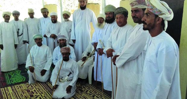 أهالي قرية السخنة ببدبد يحتفلون بوصول المياه الحكومية
