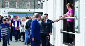 بريطانيا: ماي ستقود محادثات (الخروج)