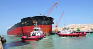 الحوض الجاف بالدقم يستقبل السفينة الأكبر منذ تشغيله