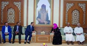 وفد لجنة الصداقة البرلمانية العمانية المغربية يزور الهيئة العامة للصناعات الحرفية ووزارة التعليم العالي