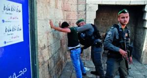 عصابات المستوطنين تقتحم الأقصى والمرابطون يتصدون