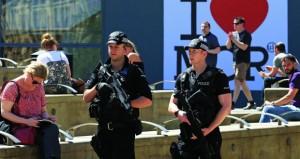 بريطانيا تبقي التأهب الأمني عند أعلى مستوى بعد هجوم مانشستر