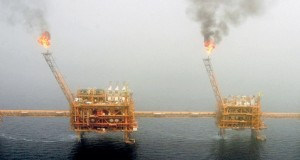 توزيع لقاحات كوفيد- 19 يدعم آمال تعافـي أسواق النفط وينعش توقعات الطلب