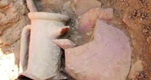 استعراض آخر المكتشفات الأثرية لحصن سلّوت ومتنزه سمهرم والإعلان عن كنوز أثرية فريدة