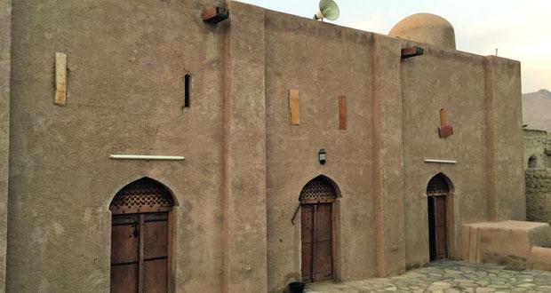 مساجد نزوى .. تاريخ وحكايات عريقة