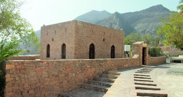 مسجد اليعاربة ببركة الموز عمارة متميزة وموقع أثري فريد