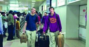أكثر من 4.9 مليون مسافر عبر مطاري مسقط الدولي وصلالة بنهاية أبريل الماضي