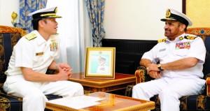 بحث التعاون في عدد من المجالات البحرية بين السلطنة واليابان