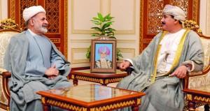 وزير المكتب السلطاني يستقبل سفيري إيران وفرنسا