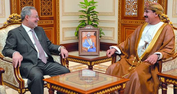 وزير المكتب السلطاني يستقبل نائب رئيس مجلس الوزراء ووزير الخارجية اليمني