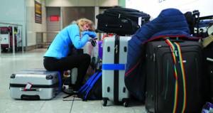 بريطانيا: آلاف العالقين مع يوم ثالث من اضطراب حركة الملاحة في مطار هيثرو