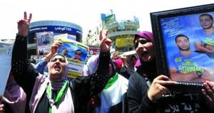 الاحتلال يرضخ لمطالب الأسرى والأبطال يعلقون الإضراب انتصر الأسرى