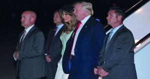 ترامب يعود إلى واشنطن والتحقيقات بشأن روسيا تخترق دائرته المقربة