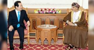 نيابة عن جلالة السلطان .. فهد بن محمود يستقبل رئيس الجمعية الوطنية الكورية