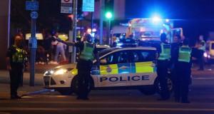 شاحنة تدهس عددا من الأشخاص وهجوم بالسكين في لندن