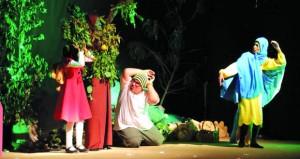 """فرقة الرستاق تستعد لعرض مسرحية الأطفال """"فزاعة"""" في أيام عيد الفطر المبارك"""