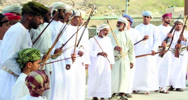 (حول) قرية عمانية بولاية صور تأسس لمفهوم التواصل الثقافي بين الأجيال