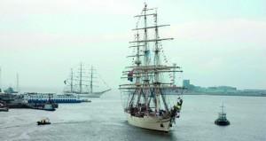 سفينة البحرية السلطانية العمانية شباب عمان الثانية تشارك في مهرجان ( دين هيلدر ) الدولي للإبحار الشراعي لعام 2017م بهولندا