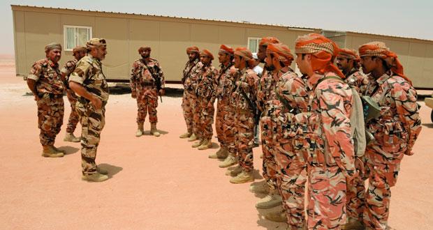 التوجيه المعنوي ينظم زيارات للمعسكرات والمواقع الحدودية لتقديم التهاني بمناسبة عيد الفطر السعيد
