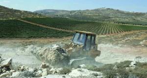 تجريف أراض فلسطية تمهيدا لمستوطنة جنوب نابلس