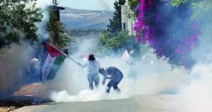 الاحتلال يقتحم الضفة ويعتقل فلسطينيين ويستولى على ممتلكات ويروع آمنين