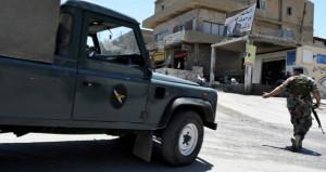 لبنان: مقتل طفل سوري وإصابة 7 جنود في هجمات انتحارية بعرسال