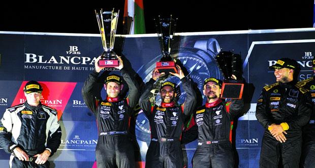 فريق عمان لسباقات السيارات يواصل التألق ويعتلي منصة تتويج بطولة بلانك بان بفرنسا