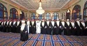 السلطنة تحتفل بأول أيام عيد الفطر المبارك