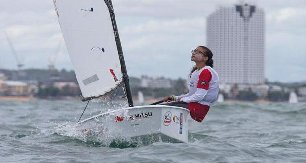 بحارة عُمان يشاركون في بطولة العالم لقوارب الأوبتمست