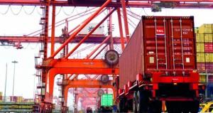 ميناء صلالة يسجل رقما قياسيا بمناولة أكثر من 82 ألف حاوية في الأسبوع