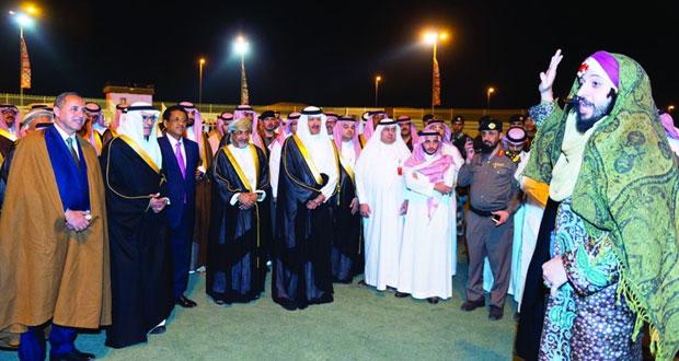 وزير السياحة يشارك في حفل افتتاح سوق عكاظ بالطائف في دورته الـ 11