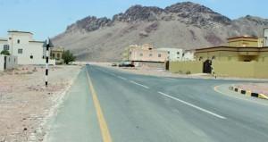 البلديات الاقليمية تخصص مواقع لوقوف الشاحنات والمعدات والمركبات الثقيلة بمنطقة كرشاء الصناعية في نزوى