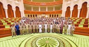 محاضرة تعريفية لمنتسبي دورة القيادة والأركان حول النظام التشريعي والرقابي بمجلس عمان