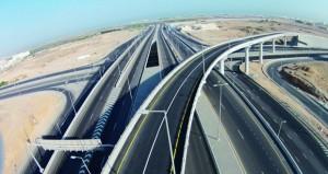 بلدية مسقط تنفذ شبكة واسعة من الطرق الحيوية والمسفلتة بمختلف ولايات المحافظة