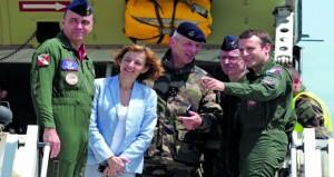 الرئيس الفرنسي يسعى لتجديد الثقة مع العسكريين