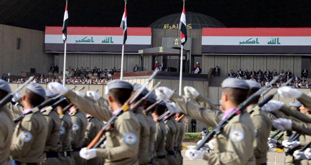 العراق: العبادي يشهد استعراضا عسكريا احتفالا بالانتصار