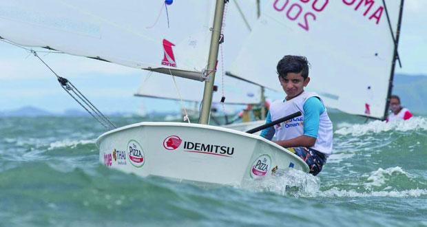 بحَّارة عُمان للإبحار يشاركون في بطولة العالم لقوارب الأوبتمست في تايلند