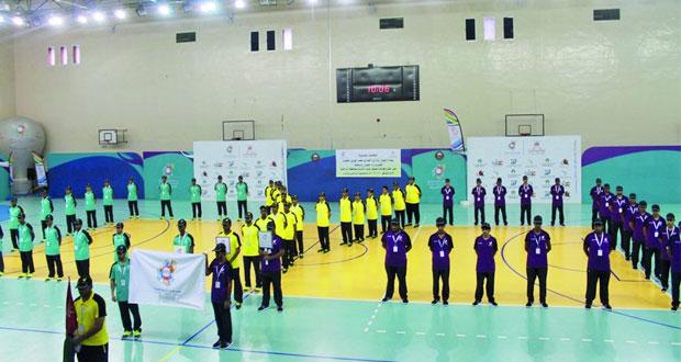 افتتاح فعاليات معسكر شباب الأندية بمجمع نـزوى الرياضي