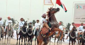 رياضات الخيل التقليدية تتألق بمهرجان صلالة السياحي