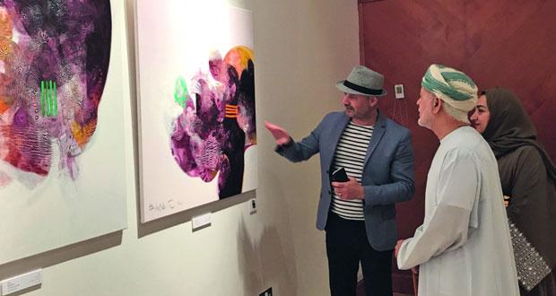 ملتقى بيت الزبير الدولي الأول للفنون يؤكد على تعزيز الوعي الجمالي ويجسّر العلاقة بين التجارب البصرية