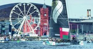 فريق قارب الطيران العُماني يفوز بسباق من إجمالي سباقين