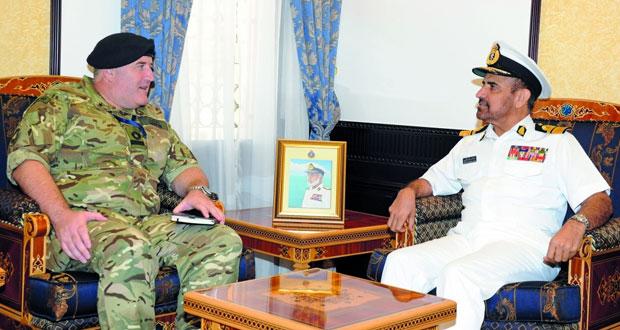 قائد البحرية يستقبل قائد العنصر البحري للقوات البريطانية وقوة البحرية الإيطالية