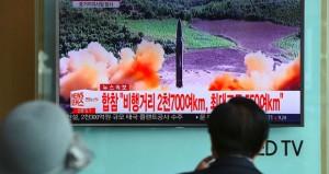 بيونج يانج تطلق (باليستيا) فوق طوكيو وتتهم أميركا بدفع شبه الجزيرة الكورية نحو (الانفجار)