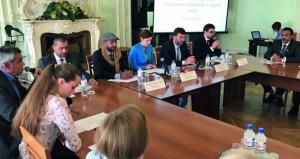 وفد الغرفة يبحث مجالات التعاون في القطاع السياحي مع روسيا